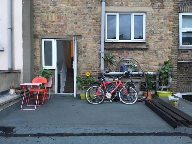 Double room in Hackney, East London