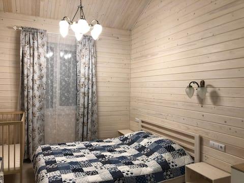 """Уютный домик в коттеджном поселке """"Заячья горка"""""""