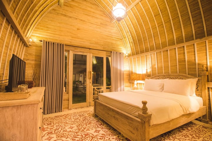 Cozy Private Room in Kuta Beach - Red Lumbung