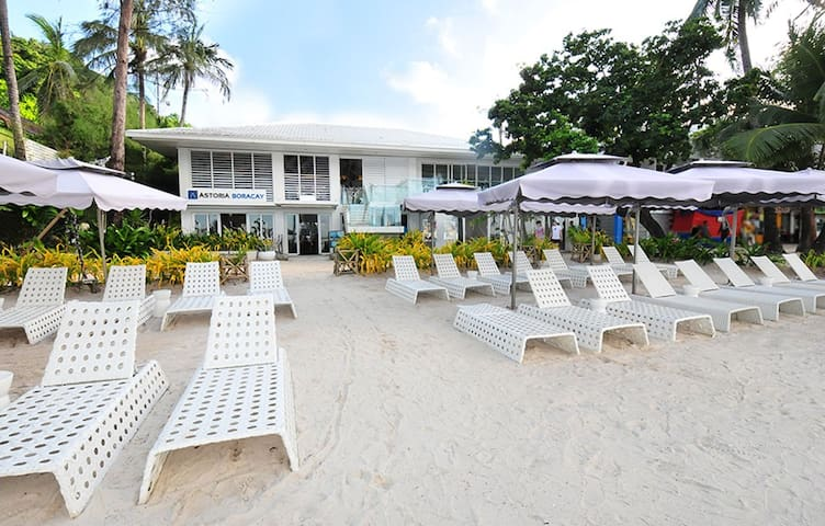 Boracay Luxury Resort Station 1 Beachfront for 2