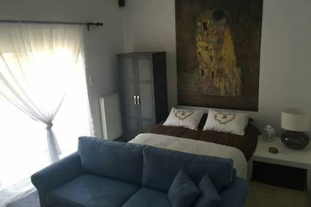 Out of the blue in Athens! - Egaleo - Apartamento
