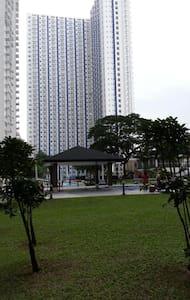 Staycation w/wifi 10 mins to SM - Quezon - Appartamento