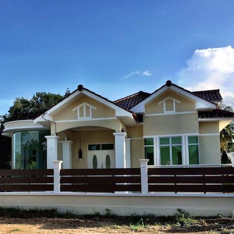 AmVilla Homestay Kota Bharu - Kota Bharu - Rumah