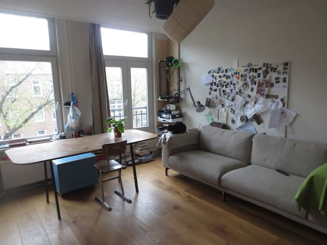 Homy studio-apartment in Amsterdam Oost - Amsterdam - Appartement