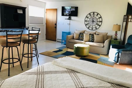 Curlew Cottage - Your Kodiak Home Away from Home