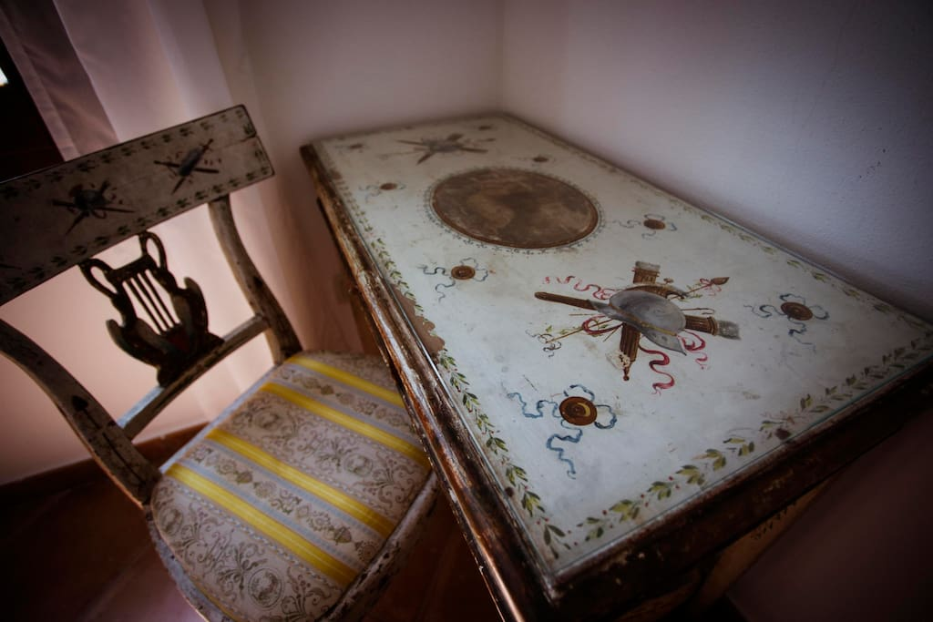Details of the Badger's room