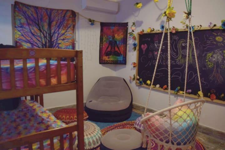 San Juan Cozy Room w/AC,WiFi, Mini-fridge, GreenLF