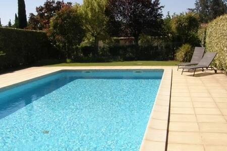 F2 de 37m2 / Piscine / au calme - ラッテス - 一軒家