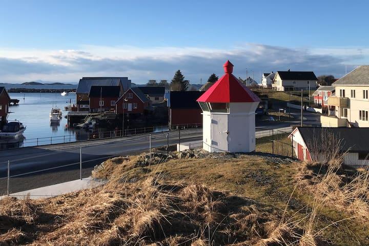 Fjøren coastel house, Bud