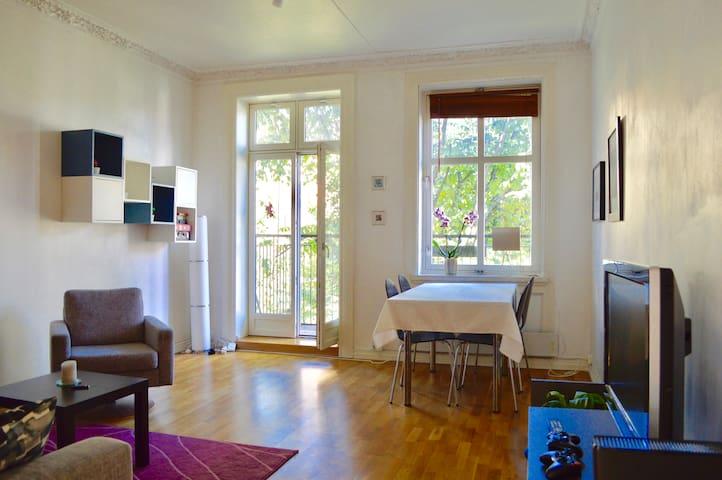 Bright & central apartment w/ balcony
