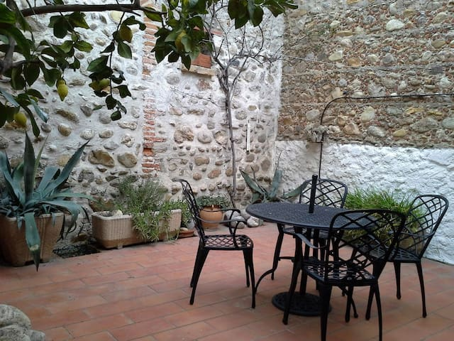 Ground floor / Basement apartment - Le Soler - Appartement