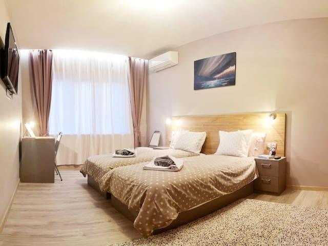 6S40 Apartment –superb location, ground floor