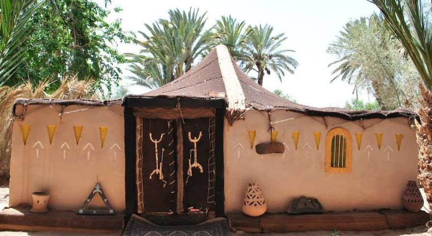 Private berber traditional tent - Ouarzazate - Bed & Breakfast