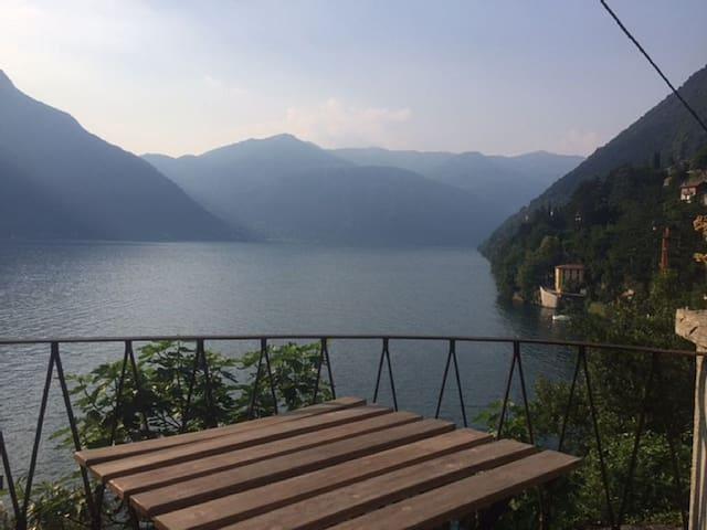 Casa di Ada, in borgo medioevale sul Lago di Como - Nesso - Huis