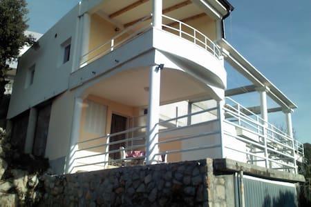 Apartman Nenadic - Utjeha-Bušat
