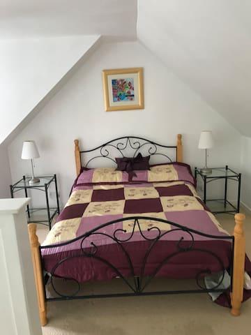 Double bedroom with en-suite.