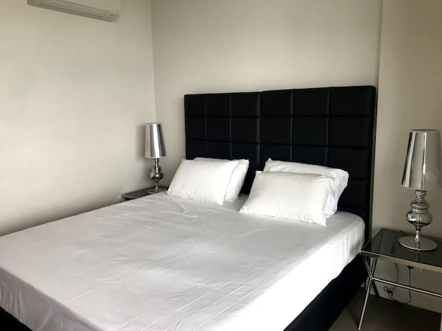 Modern 2 Bedroom apt at Sydney Olympic Park