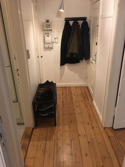 Gang/Hallway