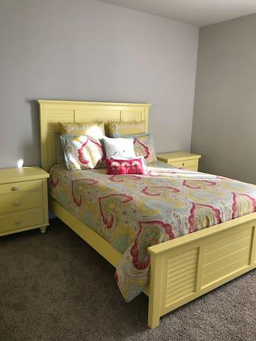 Beautiful Home-Queen Room-1