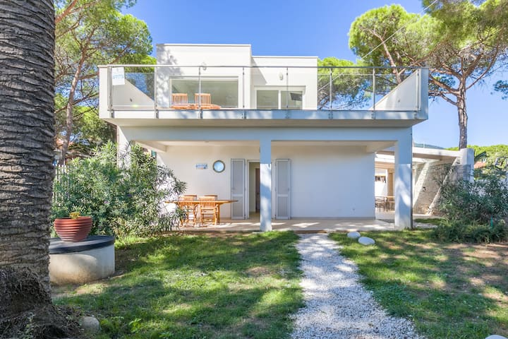 Just a few steps from the sea - Villa Giulia