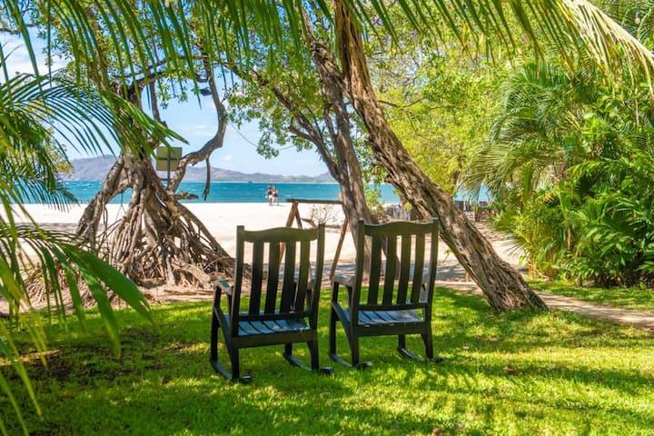 Ocho Bungalows on Tamarindo Beach!