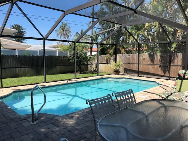 WALK TO BEACH  Pool Home***OPEN THIS WEEKEND/WEEK