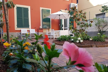 Independent villa with garden: Rapallo downtown.