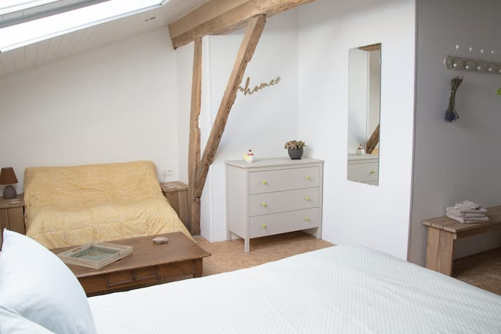 The Hayloft: bedroom with  kitchen (2)