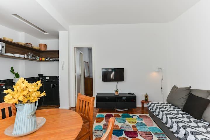 BEACHFRONT - Ipanema, Stylish 1 Bedroom Apartment