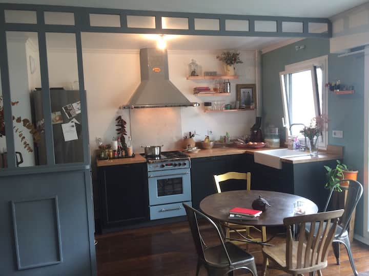 Appartement 48m2 charme, standing, parking  Paris