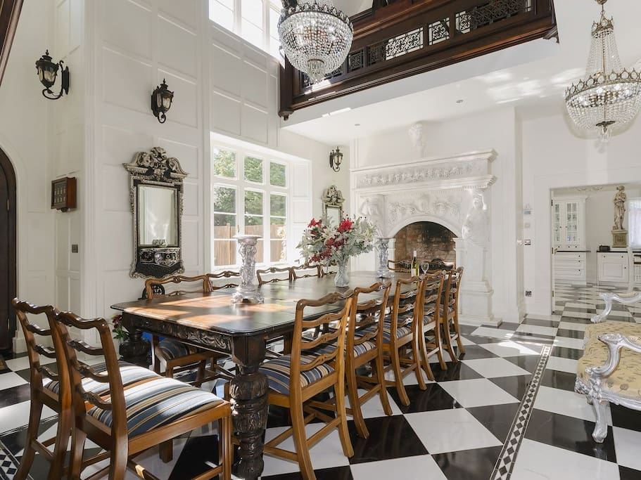 Victorian manor house in chilterns sleeps 20 23 for Victorian manor house