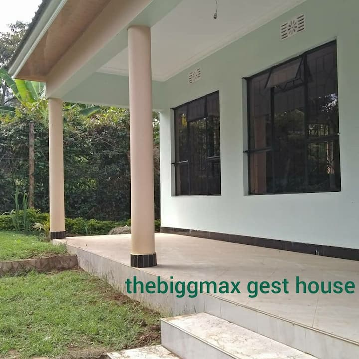 good house good garden location arusha