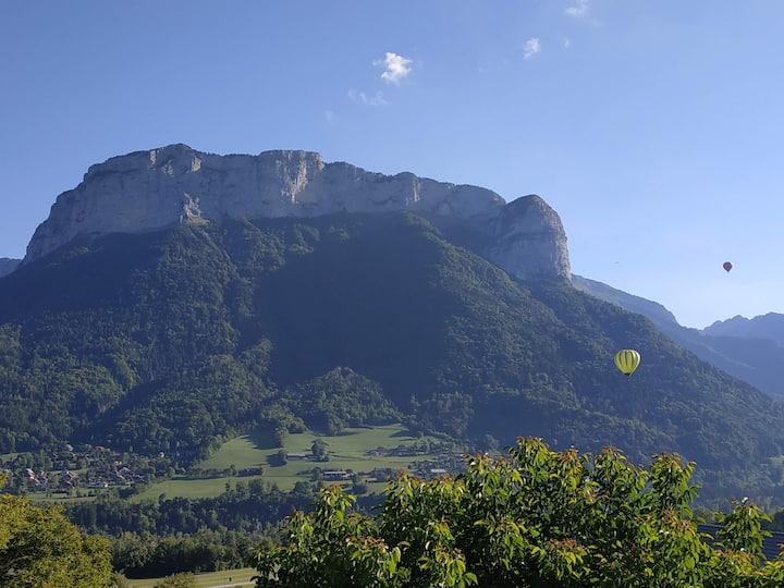 Grand T2 idéalement situé entre lac et montagnes