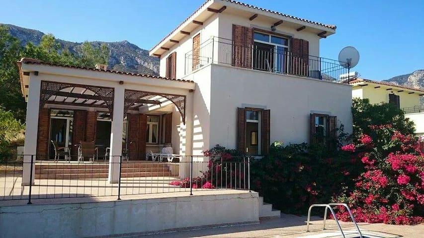 CrazyCaptain  Villa - Çatalköy - Huis