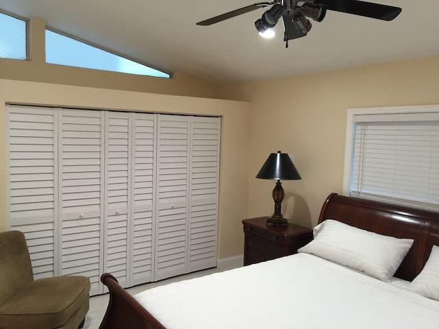 newly renovated beach house - Hollywood - Maison