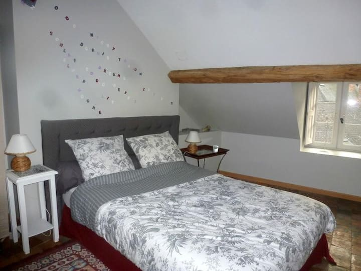 2 bedroom appartment,garden,ideal location in Gien