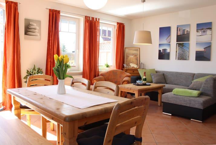 FeWo Älskling, Ostseebad Nienhagen - Nienhagen - Wohnung