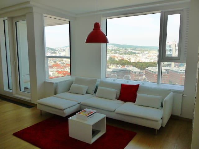 NEW: Amazing views. Top location. - Bratislava - Daire