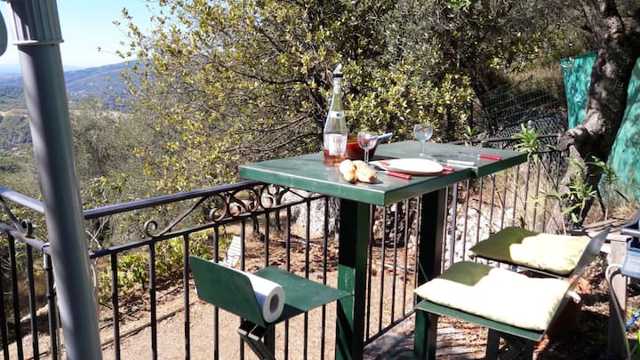 House with one bedroom in Peille, with wonderful sea view, furnished garden and WiFi - 16 km from the beach