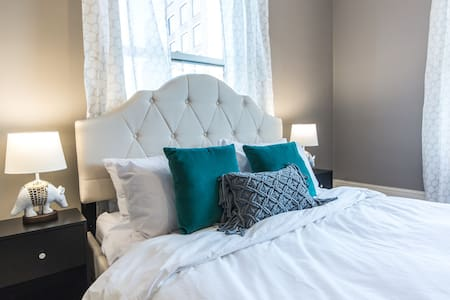 The Design Suite in the Market District - York - Apartment