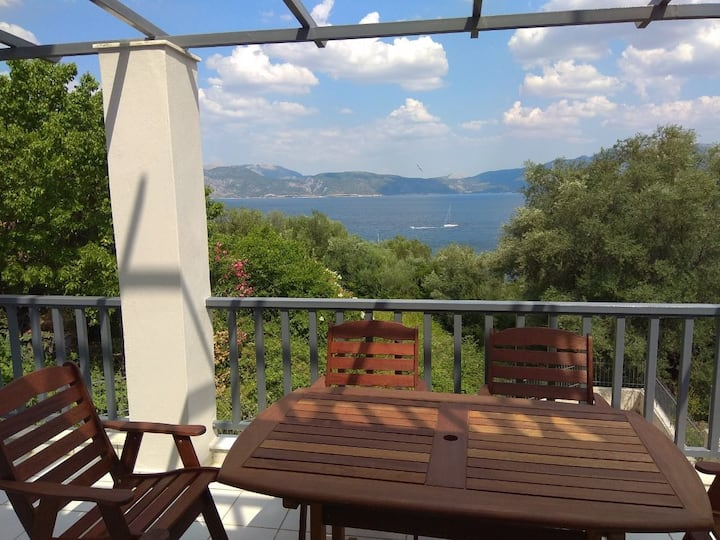 Ionian Villa Victoria 2floor apartment Kalamos