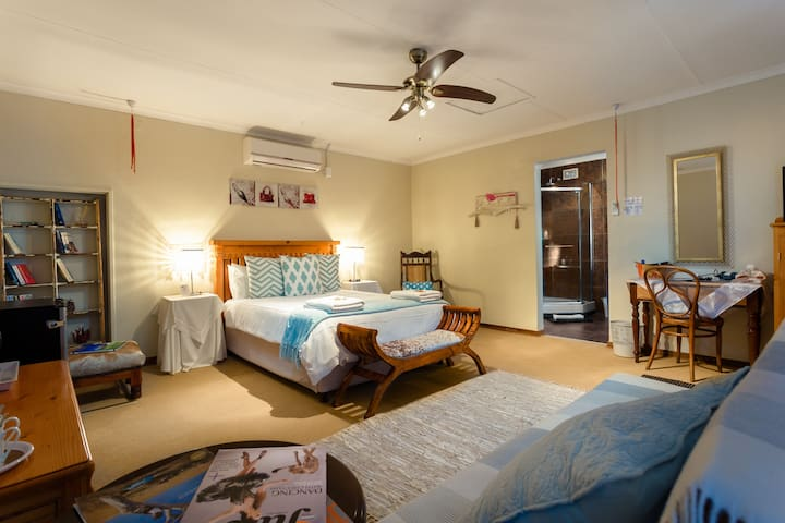 Cottonwood Garden Suite at Morning Glory Cottages