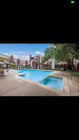 Beautiful 2 bedroom/ 2 bath Condo - San Antonio - Condominium