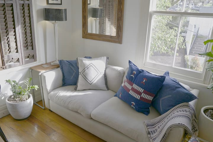 Beautiful sunny apartment in Ponsonby