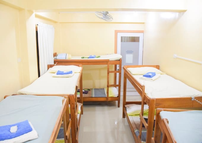 Iloilo Room #2 for max.10pax Bed+Breakfast