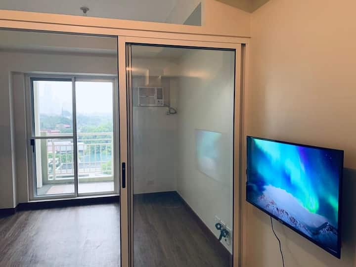 One Bedroom Condo Makati Unit 426 (Long Term Only)