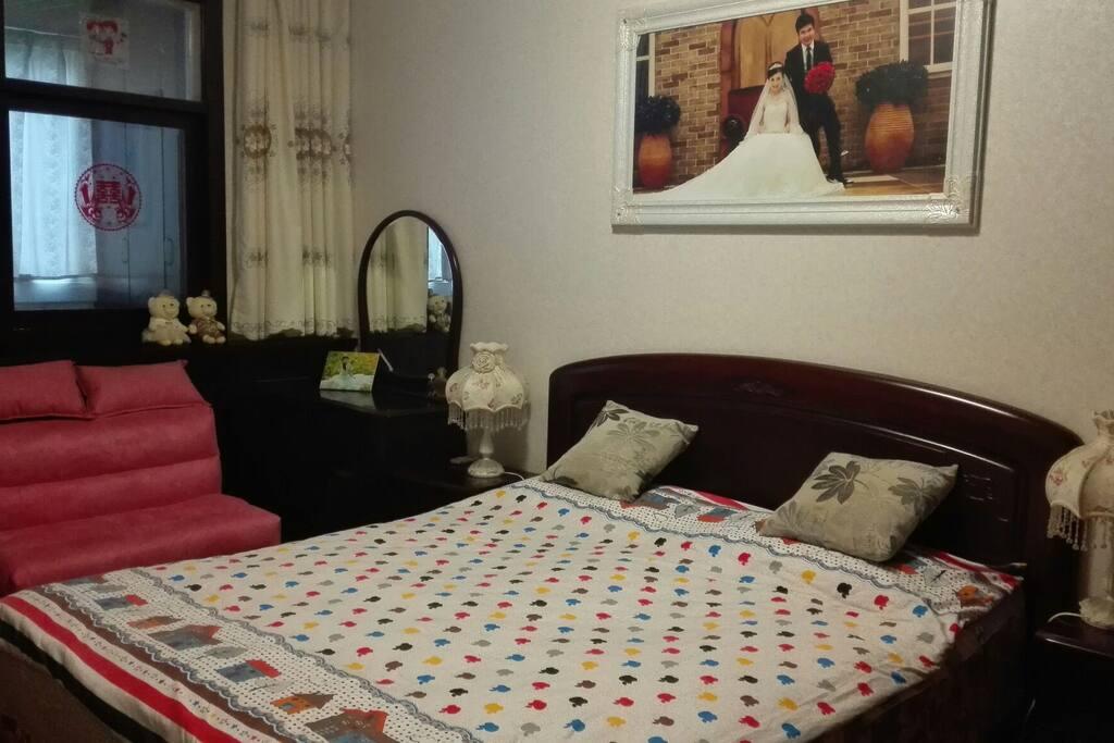 卧室一(床1.8米)