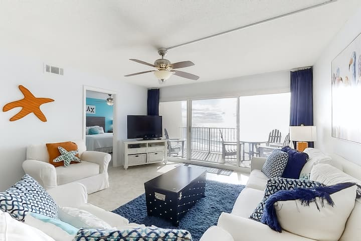 Family & Snowbird-friendly Beachfront Condo w/Shared Pool, WiFi, Gym, and Grills