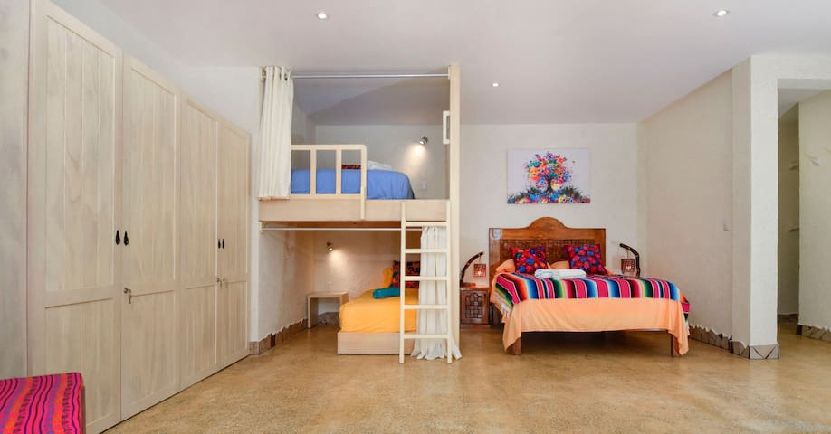 Enjoy a Queen bed and two bunk beds (one Single and one Double).