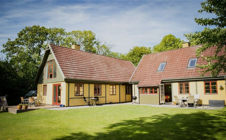 180 beautiful m2 with nature plot & private forest - Gudhjem - House